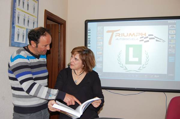 Autoescuela-Triumph-Villaviciosa-de-Odon